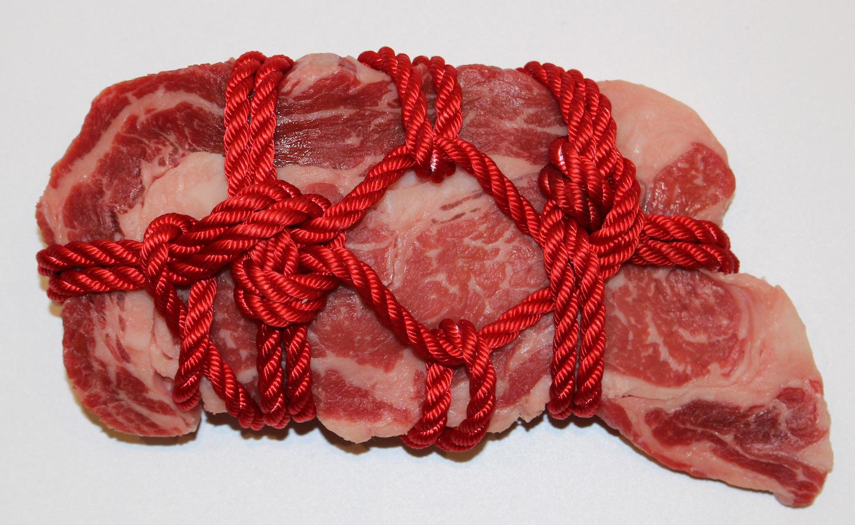 bondage-beef steak